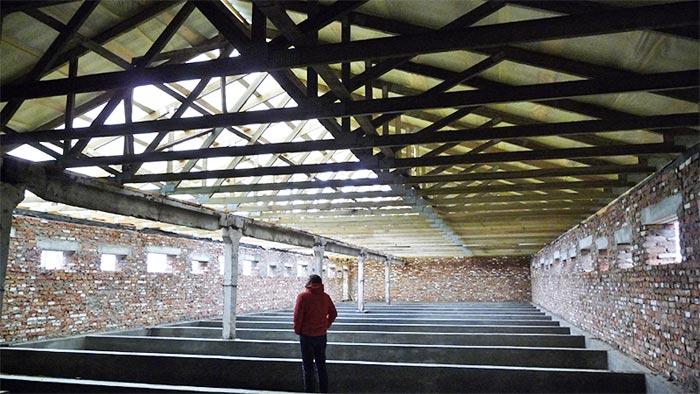 стены и крыша свинарника